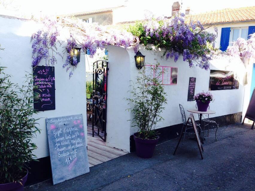 Restaurant le jardin de tana for Le jardin de caroline restaurant